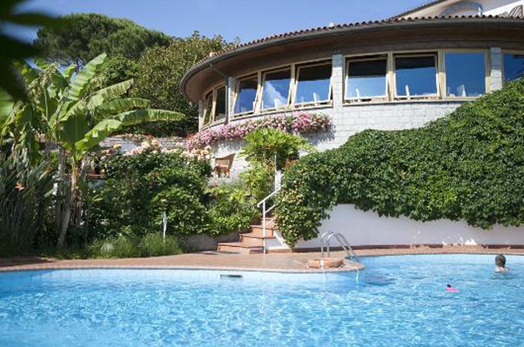 elba island caposantandrea hotel gallo nero